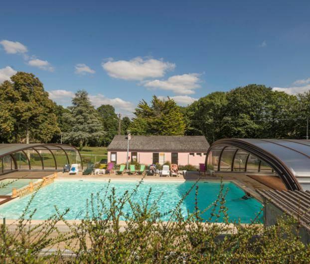 piscine couverte camping bretagne sud